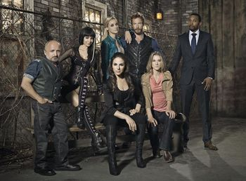 Lost Girl (TV Series) - The Wiki of the Succubi - SuccuWikiLost Girl Dyson Actor